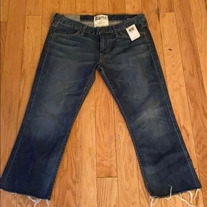 NWT Elizabeth and James blue Joni cropped jeans